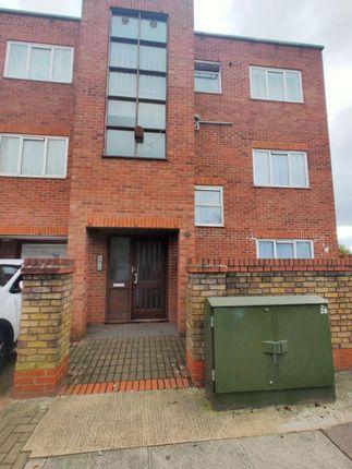 Thumbnail Flat to rent in Brunswick Avenue, London