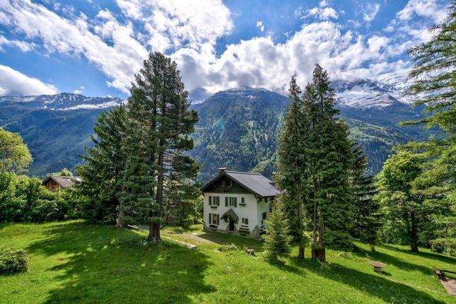 Thumbnail Chalet for sale in Moussoux, Chamonix-Mont-Blanc, Haute-Savoie, France