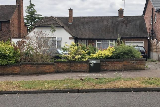 Thumbnail Bungalow for sale in Ringers Spinney, Oadby, Leicester