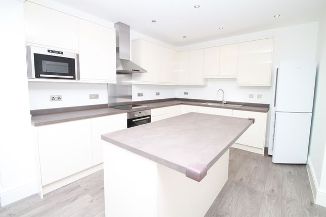 Thumbnail Semi-detached house to rent in South Lane, New Malden