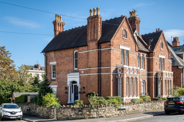 Thumbnail Flat to rent in Beauchamp Hill, Leamington Spa
