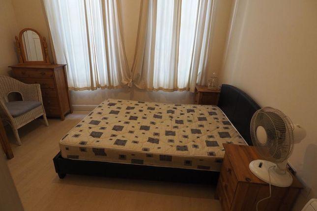 Bedroom of Kingston Chambers, Land Of Green Ginger, Hull HU1