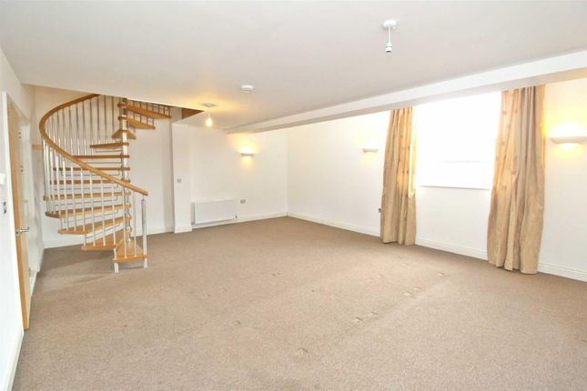 Thumbnail Terraced house to rent in Triangle Building, Wolverton Park Road Wolveron, Milton Keynes