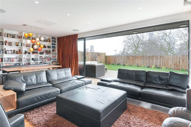 Thumbnail Flat to rent in Hoxton Square, Hoxton, London