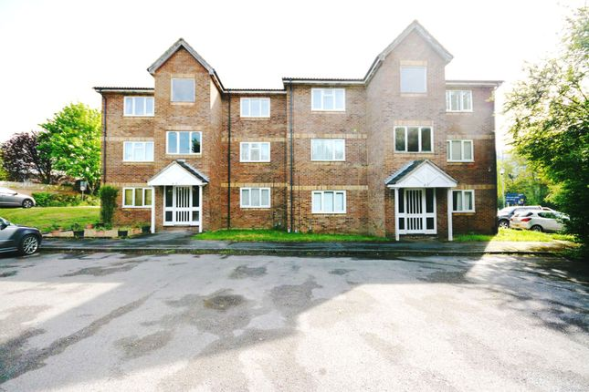 Thumbnail Flat to rent in Simmonds Close, Bracknell