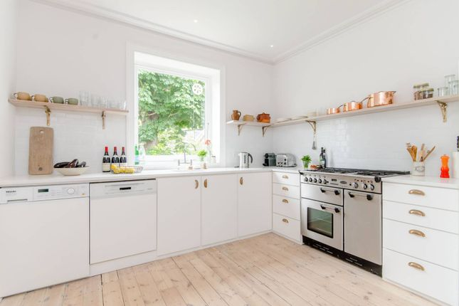 Thumbnail Flat to rent in Crediton Hill, West Hampstead