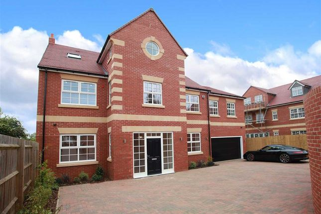 Thumbnail Detached house for sale in Hatton Park Road, Wellingborough