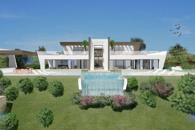 Villa for sale in Los Flamingos, Costa Del Sol, Spain