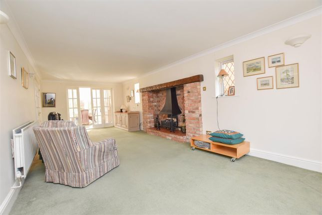 5 bed detached house for sale in Nethergate, Clifton Village, Nottingham NG11