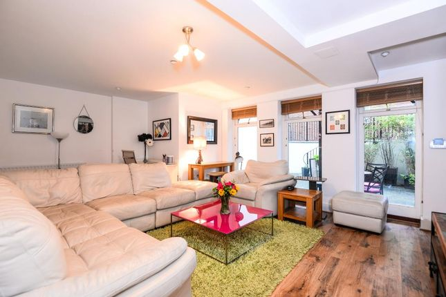 Thumbnail Flat for sale in Henley-On-Thames, Oxfordshire