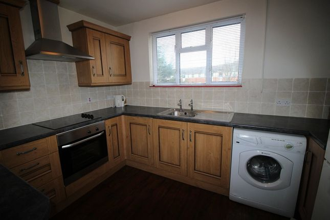 2 bed flat to rent in Westcroft, Chippenham