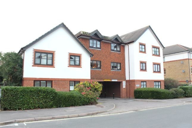1 bed flat for sale in Clarence Road, Fleet GU51