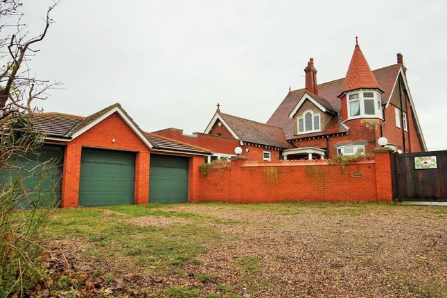 Thumbnail Detached house for sale in 141 Drummond Road, Skegness