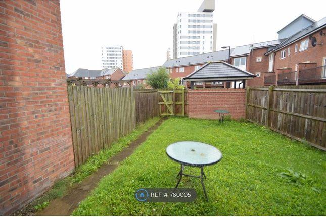 Garden of Mackworth Street, Manchester M15