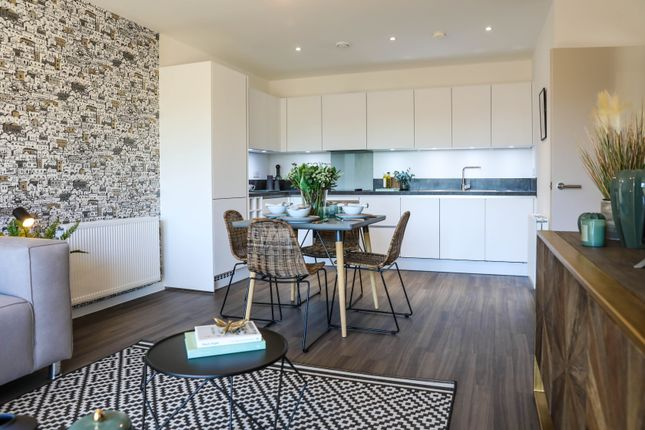 Thumbnail Flat for sale in Pears Road, Hounslow, London