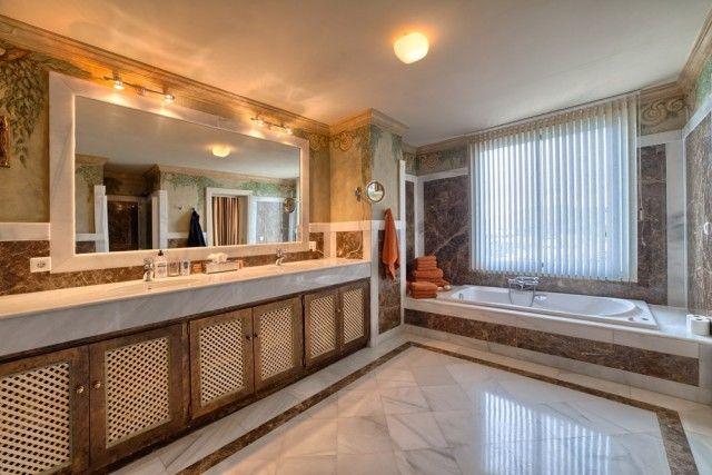 Bathroom of Spain, Málaga, Marbella, La Heredia