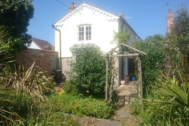 Country house to rent in Birmingham Road, Blackminster, Evesham