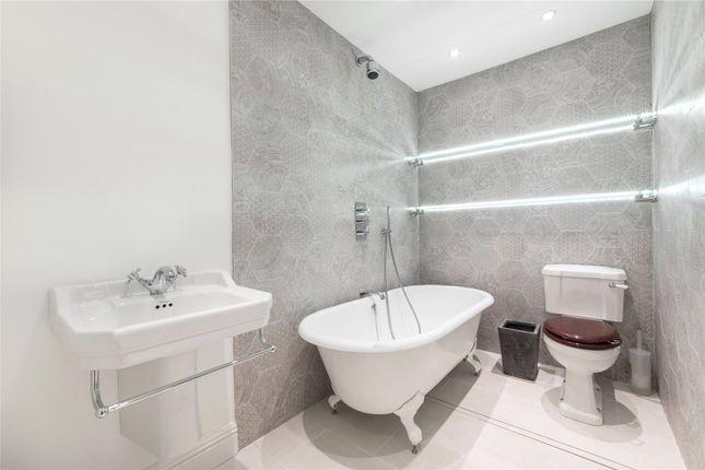 Bathroom of Albert Terrace, Primrose Hill, London NW1