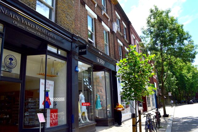 Thumbnail Triplex to rent in Upper Street, Islington