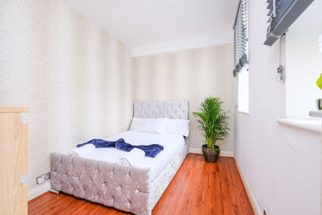 Thumbnail Room to rent in Quebec Court, London