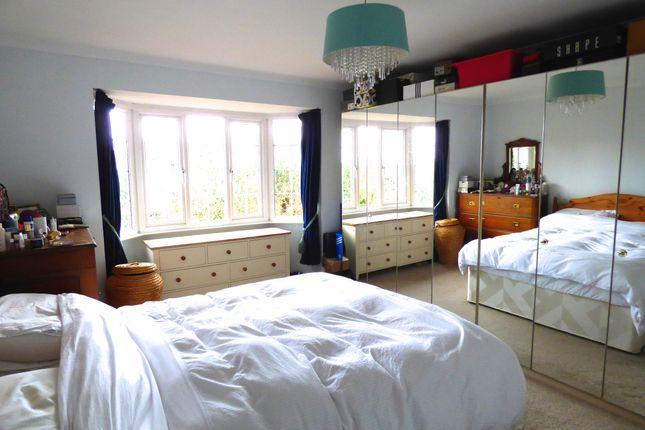 Master Bedroom of Yarnells Hill, Oxford OX2