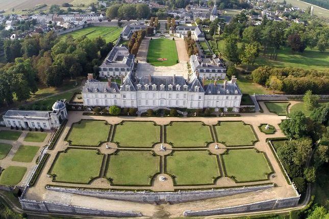Thumbnail Château for sale in 15 Le Château, 41500 Menars, France
