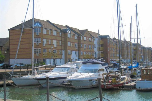 Thumbnail Flat for sale in Windsock Close, London