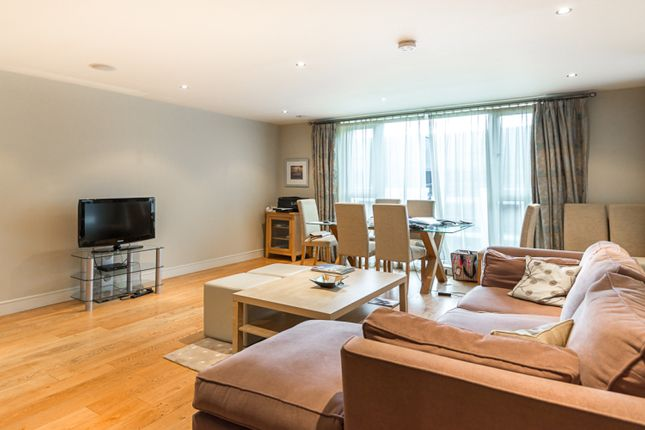 2 bed flat to rent in Lensbury Avenue, Fulham