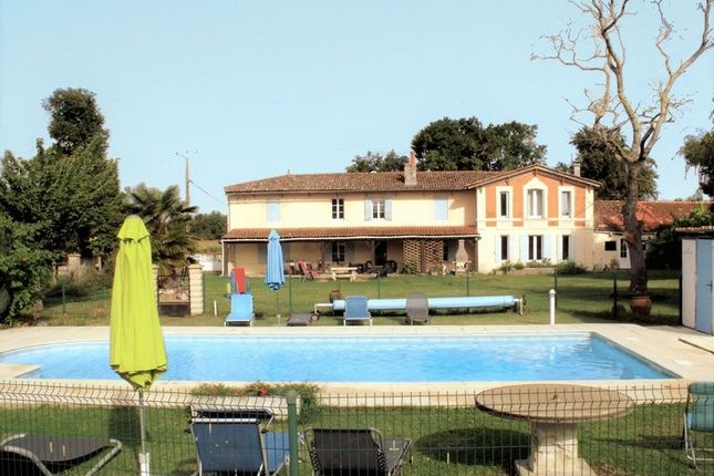 Thumbnail Property For Sale In Mortagne/Saint Fort Sur Gironde, Charent  Maritime, France