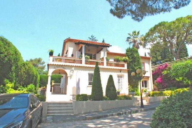 Thumbnail Villa for sale in Cagnes-Sur-Mer, Provence-Alpes-Cote D'azur, 06800, France