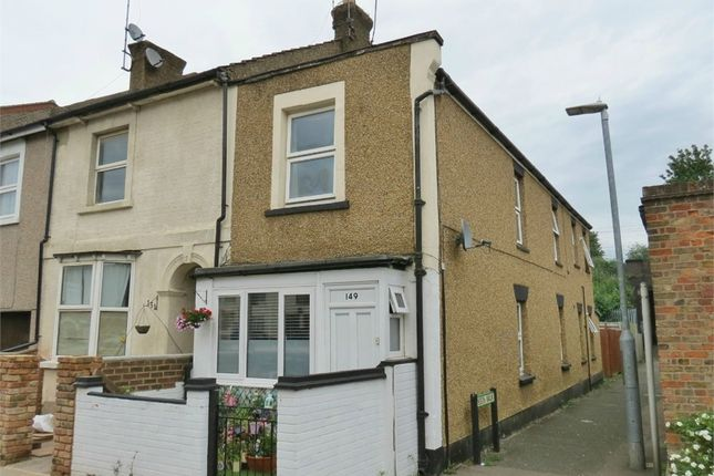 Flat for sale in Queens Road, Watford, Hertfordshire