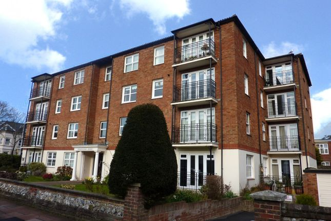 2 bed flat to rent in Cranleigh Court, Byron Road