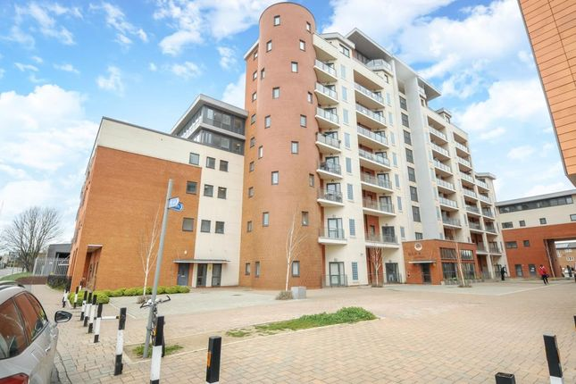 Thumbnail Flat to rent in The Junction, Railway Terrace SL2,