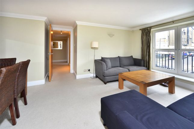 2 bed flat to rent in Chelsea Court, Melville Place, London