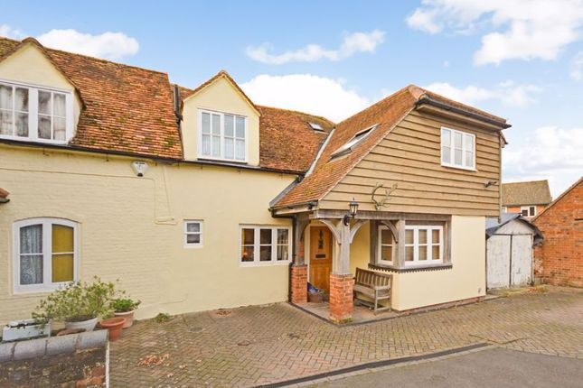 Thumbnail Cottage for sale in Charlton Park, Wantage