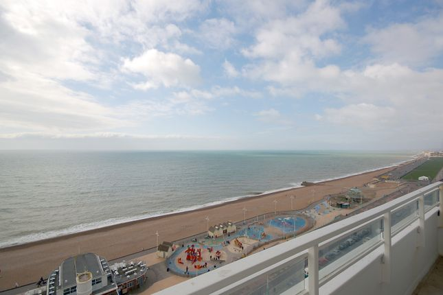Thumbnail Flat to rent in Bedford Towers, Kings Road, Brighton