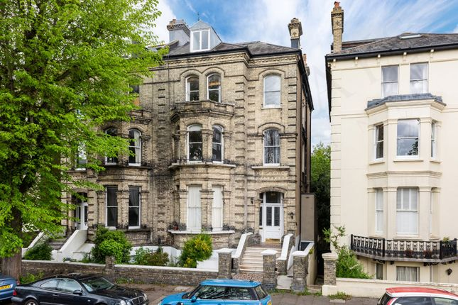 2 bed flat for sale in Salisbury Road, Hove BN3