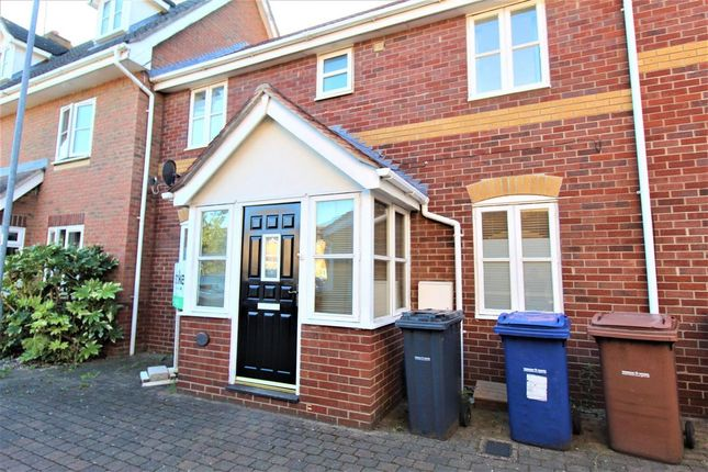 2 bed terraced house to rent in Newburgh Road, Grays RM17