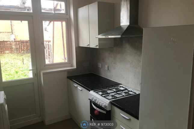 1 bed flat to rent in Brook Road, Ilford IG2