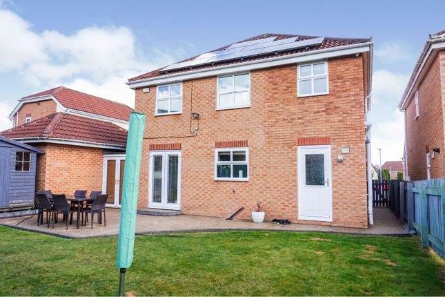 Thumbnail Detached house for sale in Woodlea Garth, Meanwood, Leeds