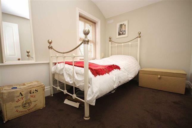 Bedroom Two of Fox Lane, Leyland PR25