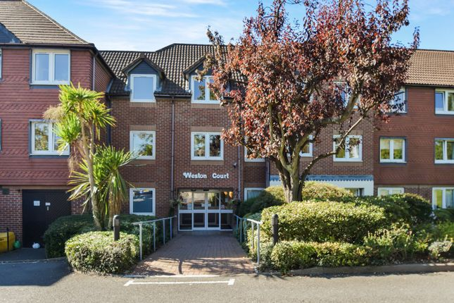 Thumbnail Flat to rent in Weston Court, Farnham Close, Whetstone