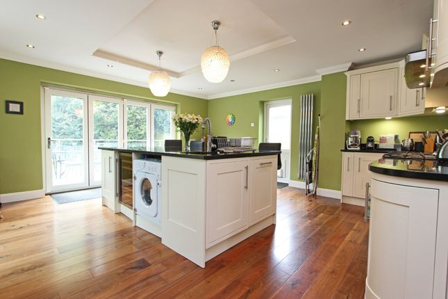 Thumbnail Detached house to rent in Rickman Hill Road, Chipstead, Coulsdon
