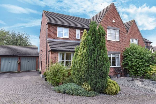 4 bed detached house for sale in Gelt Burn, Didcot