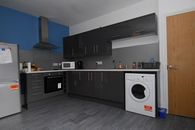 Thumbnail Flat to rent in Hill Park Crescent, Flat 1, Plymouth