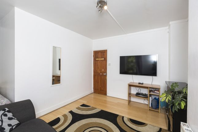 Thumbnail Flat for sale in Ossulston Street, London