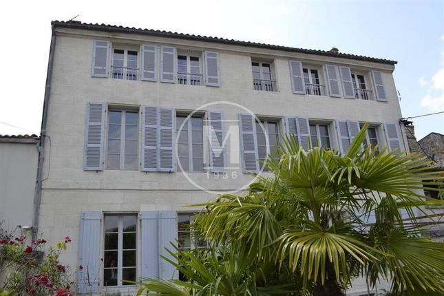 Thumbnail Property for sale in St-Vaize, Poitou-Charentes, 17100, France