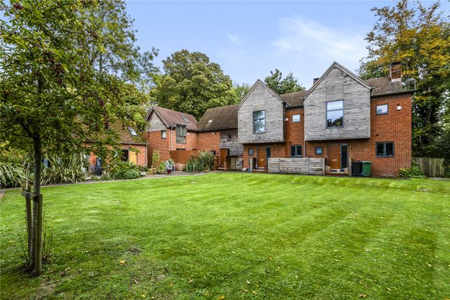 2 bed terraced house to rent in Wharf Mews, Winchester SO23