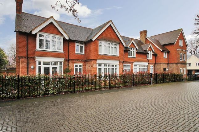 Thumbnail Flat for sale in Old School House, Ifield Green, Crawley, West Sussex