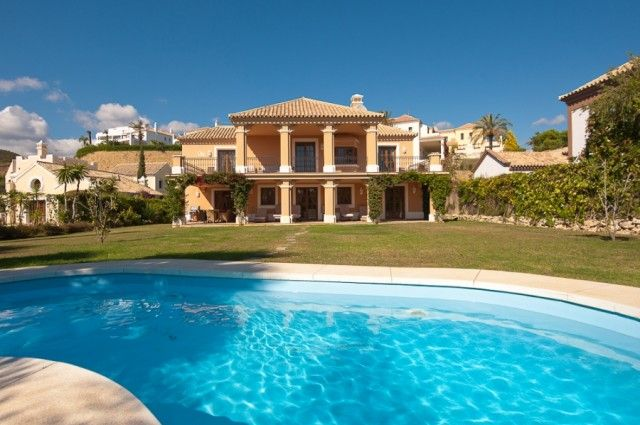 Villa And Pool of Spain, Málaga, Estepona